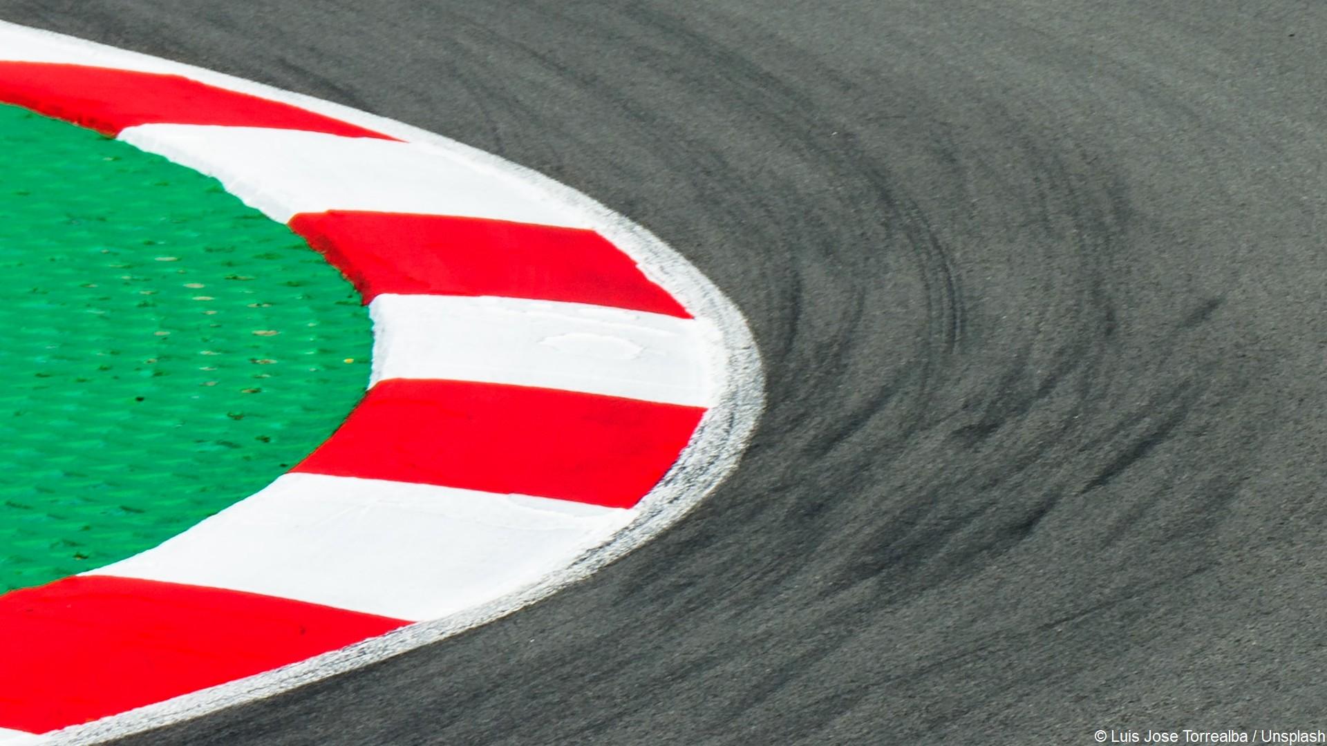 Sport Auto circuit (c) Luis Jose Torrealba Unsplash