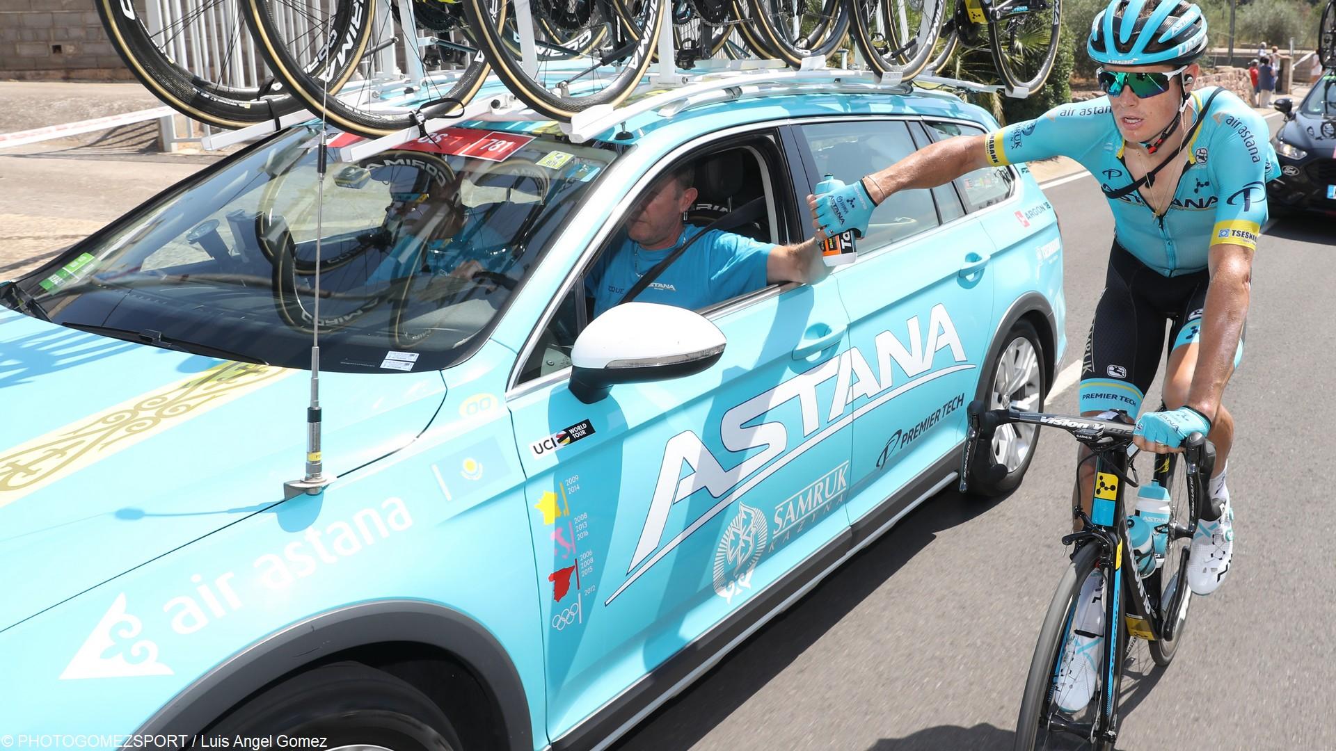 Equipe Astana (c) PHOTOGOMEZSPORT Luis Angel Gomez