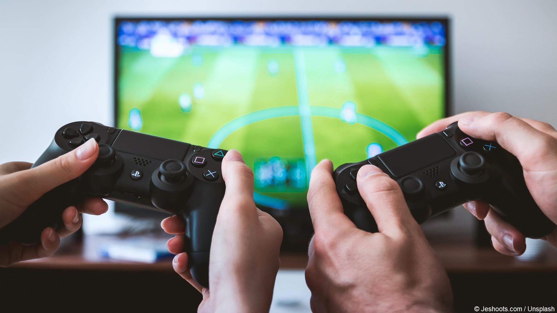 Jeu vidéo football esport (c) Jeshoots Unsplash