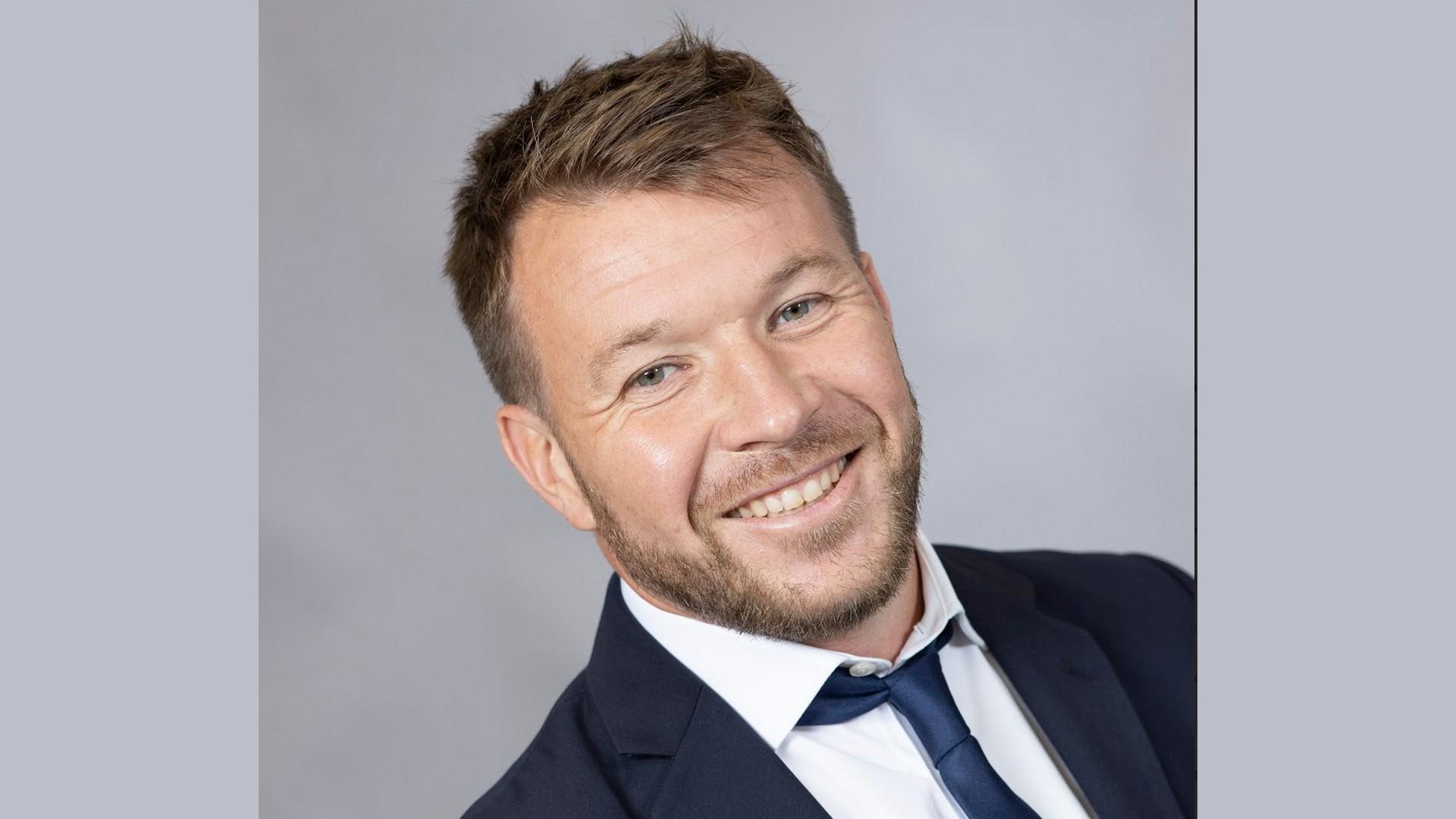Plessis François (1) Com Over