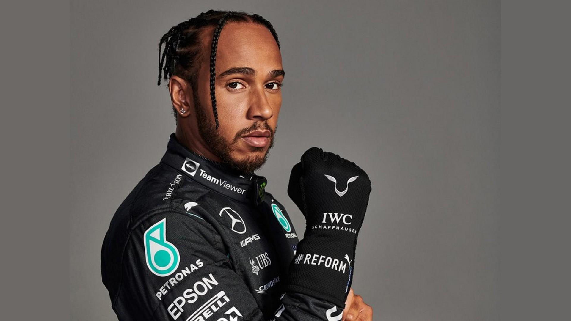 Lewis Hamilton x Team Viewer (Mercedes) 2021 (c)
