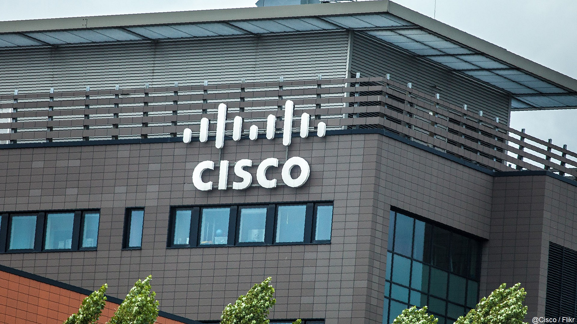 Cisco x logo (batiment)