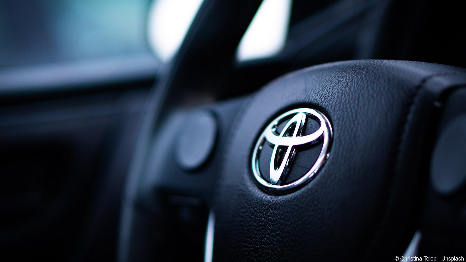 Toyota (logo) (c) Christina Telep- Unsplash
