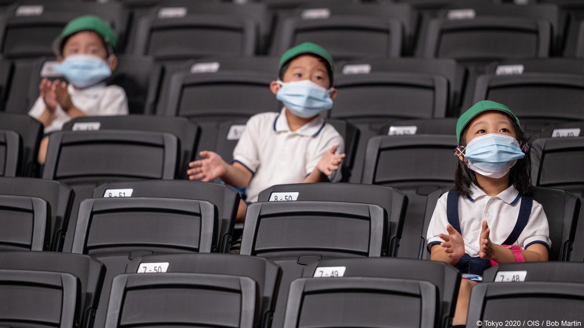 Tokyo 2020 – Paralympiques (10) Specateurs enfants