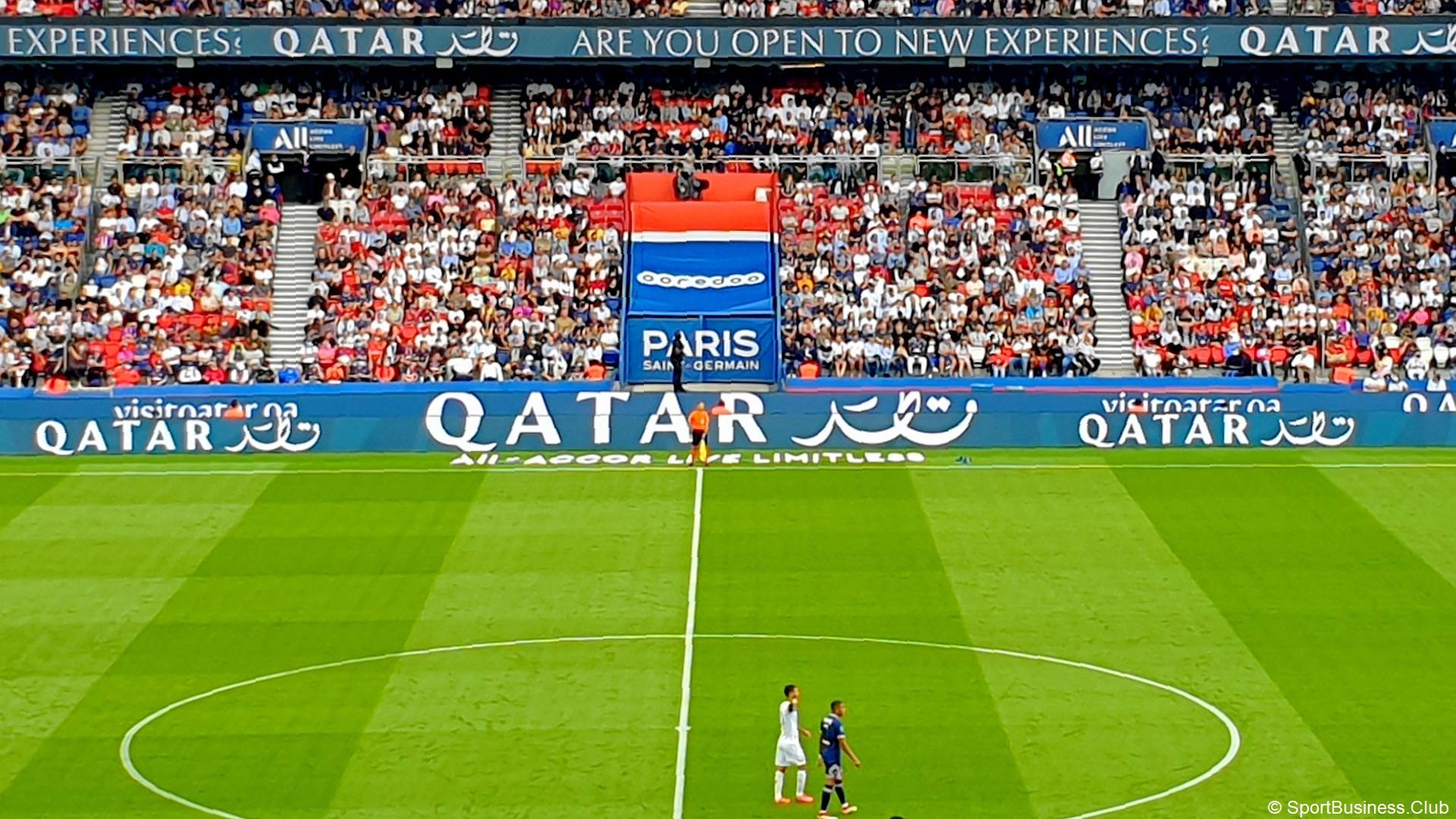 Qatar x Paris Saint-Germain (football) Pub Led
